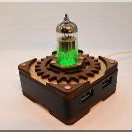 Handmade GREEN Triode Hi-Speed 4 ports USB 3.0 HUB. Steampunk/Industrial